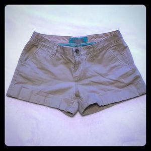 Khaki shorts with cuffs